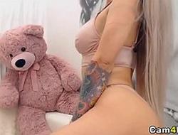 Cute and Sexy Babe Masturbates Say no to Pussy