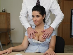 LOAN4K. Big-breasted hottie satisfies supplicant to get along to loan she needs