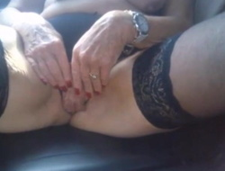 Granny Gisela 70plus was creampied with respect to the car