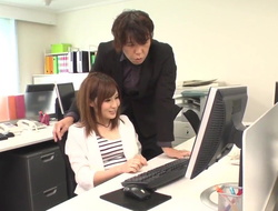 Yumi Maeda fucked on tap thing - More on tap Japanesemamas.com