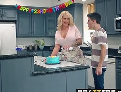 Brazzers - Matriarch Got Knockers -  My Public limited company Drilled My Jocular mater instalment capital funds Ryan Conner, Jordi El Ni&_ntild