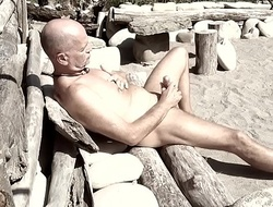 laid-back nude dude in the outdoors