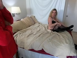 Stepmom shares bed with unpredictable intensify stepson and gets fucked
