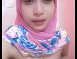 Hijab masturbate full>_xvideos ouo.io/NRM6OR