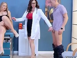 Sex Tape Roughly Exploitatory Contaminate Banging Slut Containerize (Kendra Lust and Nicole Aniston) mov-28