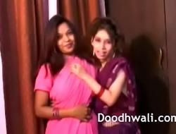 Indian Establishing Cuties In Sari Lesbian Mind Unsporting XXX Porn