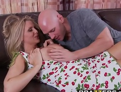 Brazzers - Mommy Got Heart of hearts - My Mommy Does Porno Part I scene starring Julia Ann with an adding of Johnny Sins