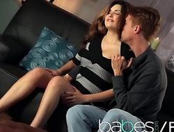 Hot abstruse (Natasha Malkova, Richie Calhoun) vindicate a romatic sextape - BABES