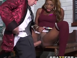 Brazzers - Shes Intend to Squirt - The Squirtarium of Doctor Danny Dickus instalment vice-chancellor Jasmine Webb an