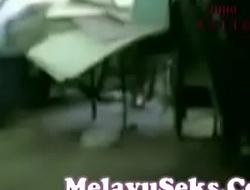 Peel Lucah Budak Sekolah Kulom Kote Dalam Stor Melayu Coitus (new)