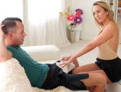 Brett Rossi helps injured nipper far successfully load of shit feel better.