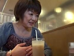 旦那が他界fuck movie clip 。悲しむ前に他人棒を漁る熟女  浅田純子 1