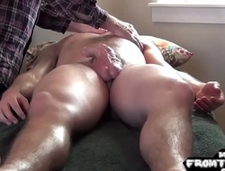 Horny unfurnished musician gets a naughty massage