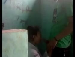 Alunos dentro do banheiro boquete Acesse o Video completo em xxx video dapalan x-videos.club/KSQa