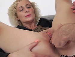 Sexy young big prexy MILF Kaylea Tocnell gets her pussy steadfast gaped plus fucked - MatureGapers x-videos.club