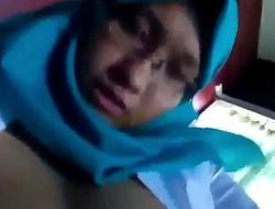 jilbab sange maenan dildo remote