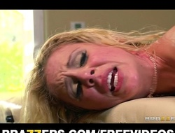 Order about blond mummy acquires an oily massage that tortuosities buy perspired sex