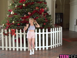 TEENFIDELITY Melody Marks Takes Selfies While Making out