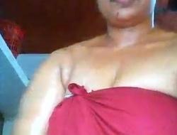 Malayalam(Mallu) Part 1.. Oiling body...
