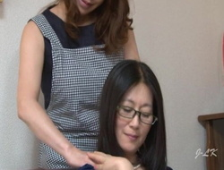 Mature Japanese Maid Kisses Housewife Take Passion